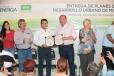Entrega Rubén Moreira Planes Directores de Desarrollo Urbano a Morelos y Zaragoza