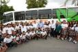 El Gobernador Rubén Moreira entregó un camión al EMSaD de Viesca que permitirá trasladar a 40 jóvenes de comunidades rurales.
